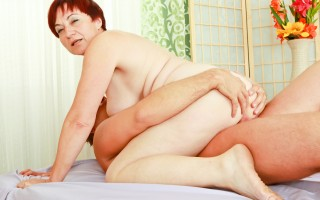 Sexy granny with big tits get her pussy fucked good and hard