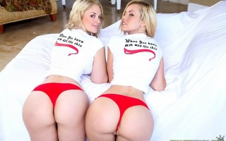 Sarah Vandella and Jessie Rogers were wearing extremely small hot pants when I arrived so they wasted no time at all showing me their nice big butts. After worshiping the magnificent butts, I was fortune to witness both of the girls ride the ass shaking m