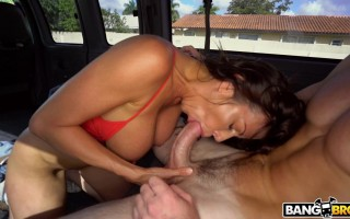 Alexis Fawx Squirting And Riding Again
