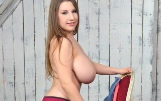 Big Natural Boobs NewcomerÂ's Titty Play Solo Debut