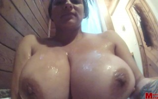Monica Mendez very seductive while having her bath in a jacuzzi