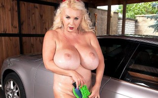 Marissa Kert Working At The Big Tit Carwash