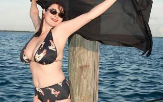 Lorna Morgan nude on the dock