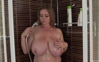 Maria Body rubbing her massive tits in the shower
