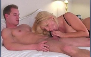 Blonde curvy cougar gets nailed hard by delivery boy.