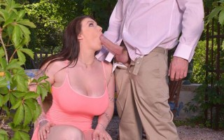 British Bombshell Bounces Big Tits in Cowgirl and Doggy Style Ac