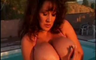 Huge Tits Milf