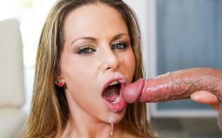 Skilled blonde milf Rachel Roxxx blows that cock fast!