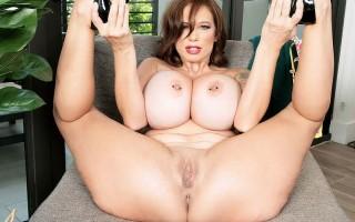 Hot MILF Brittany Elizabeth spreading her ass
